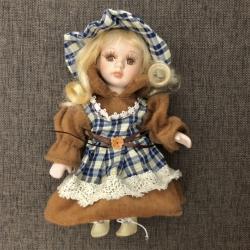 Porceliano lėlė S Ruda