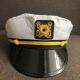 Kapitono kepurė 1