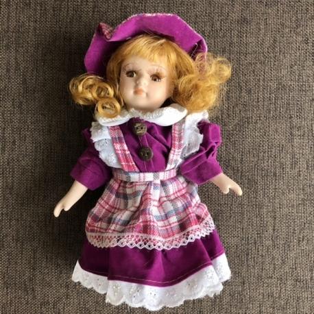 Porceliano lėlė S Violetinė